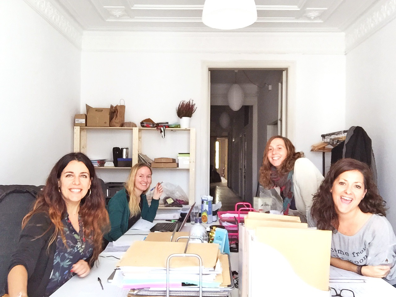 Showroom-Mimetik-Bcn-Team-working