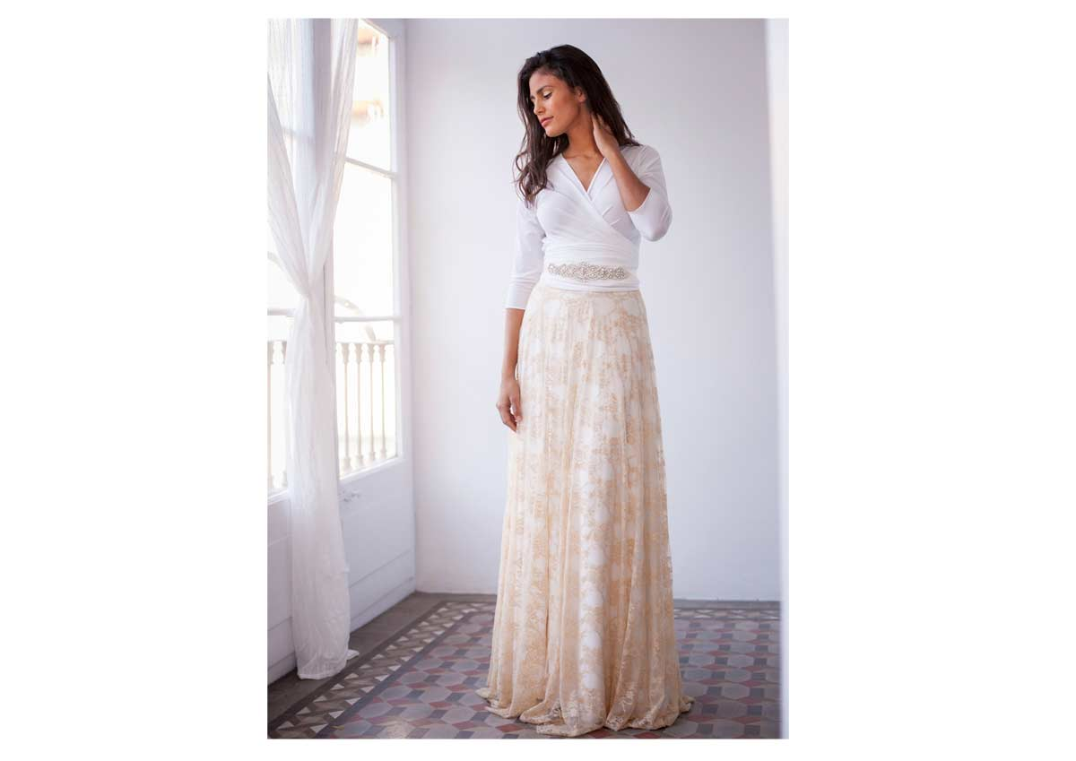 Frida-Rustic-Wedding-dress-ivory-sleeves-dress-golden-lace-skirt-mimetik-08