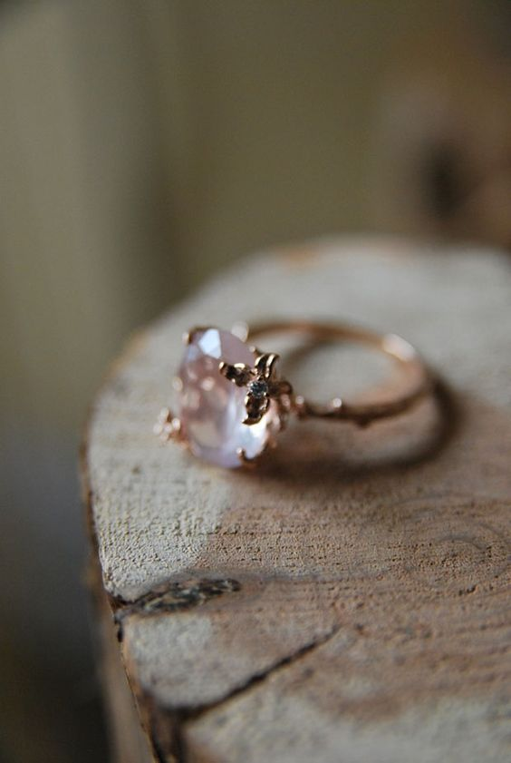 Are you thinking about choosing the rose quartz for your for Quartz wedding rings