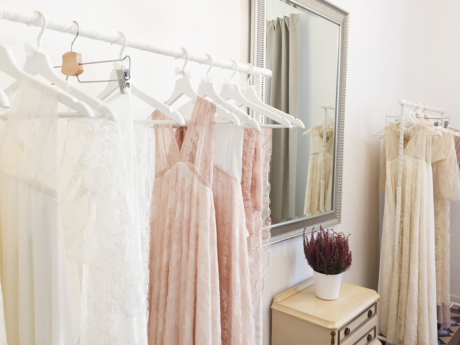 Rose-Quartz-wedding-dress-Mimetik-Bcn