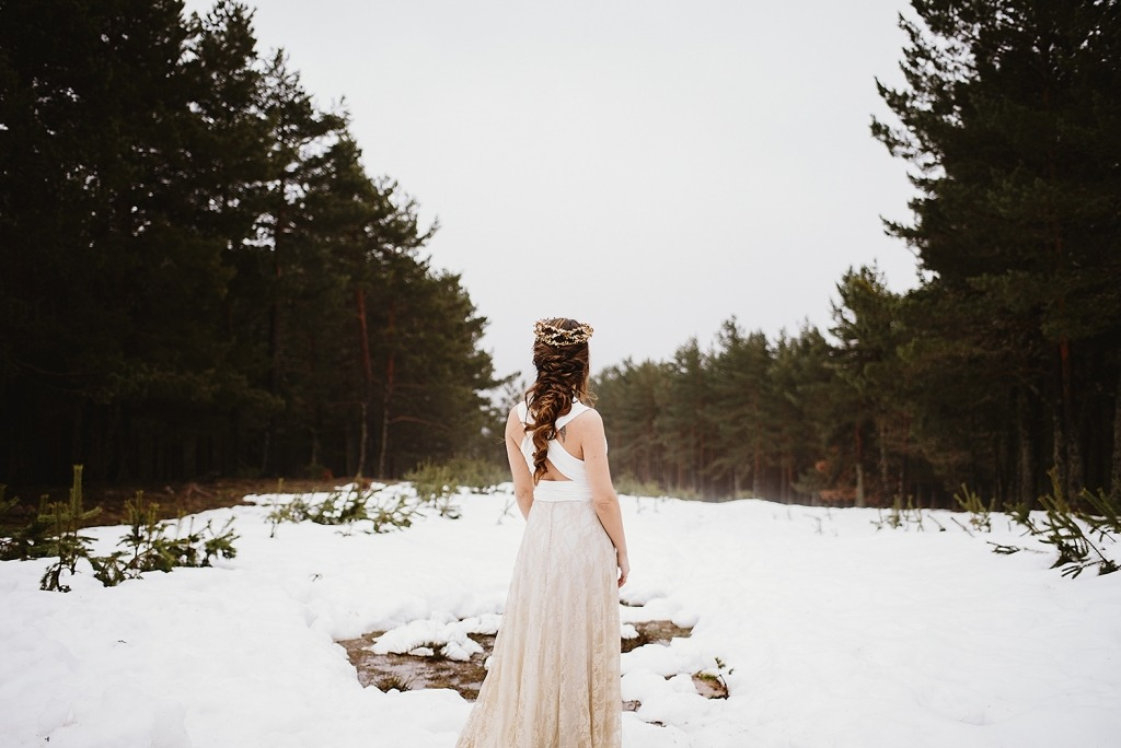 How-to-Save-Money-Wedding-Mimetik-winter-B