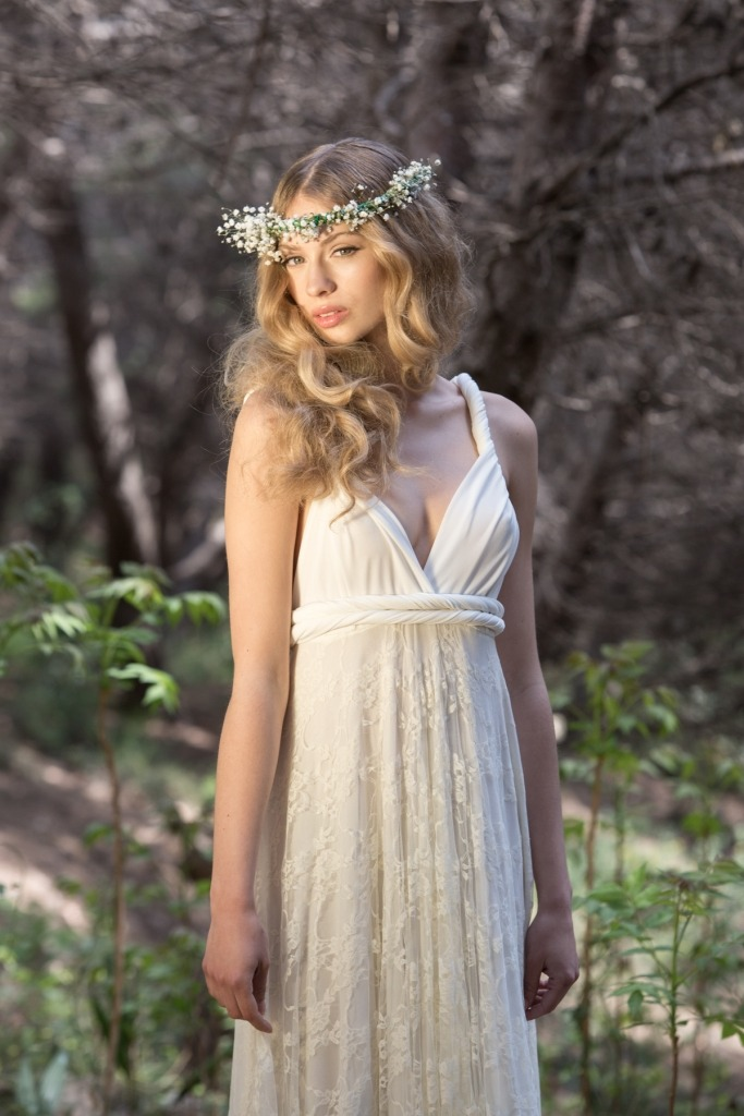 Gala-rustic-ivory-forest-bride-in-a-hurry-Mimetik