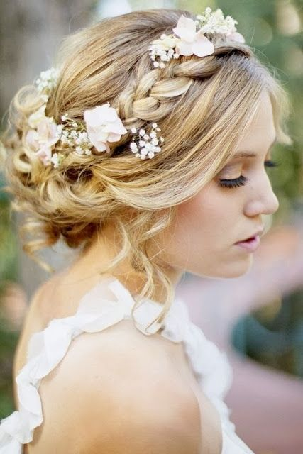 updo-braid-flowers-bride-mimetik