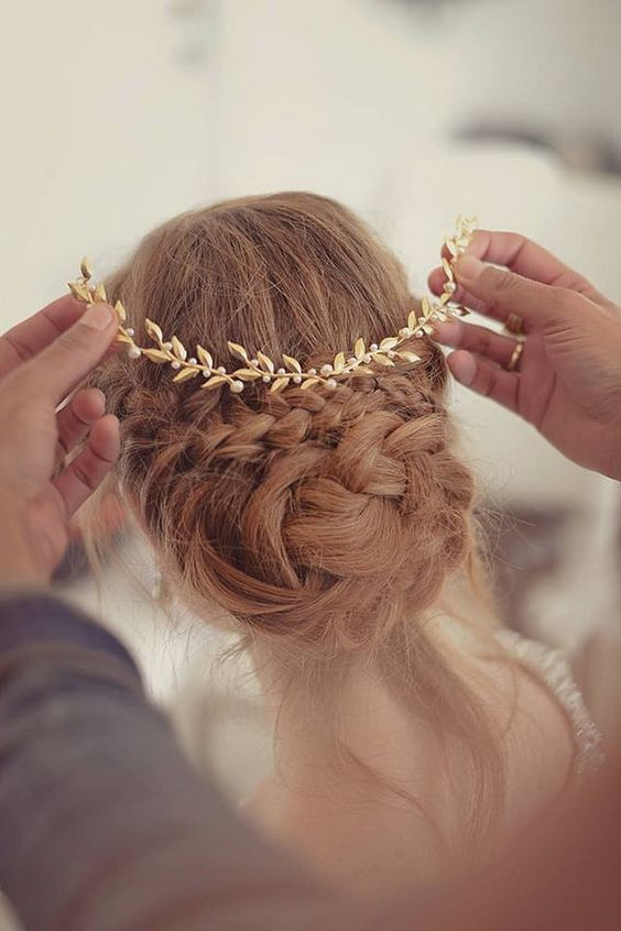 updo-braid-golden-hair-piece-mimetik