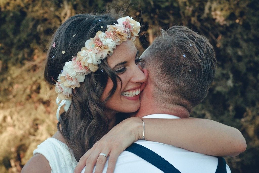 bohemian-bride-with-flower-crown
