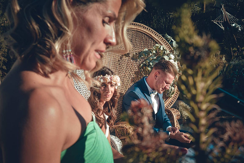 wedding speeches to santd out