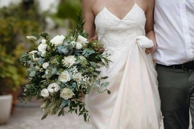large rustic bridal bouquet