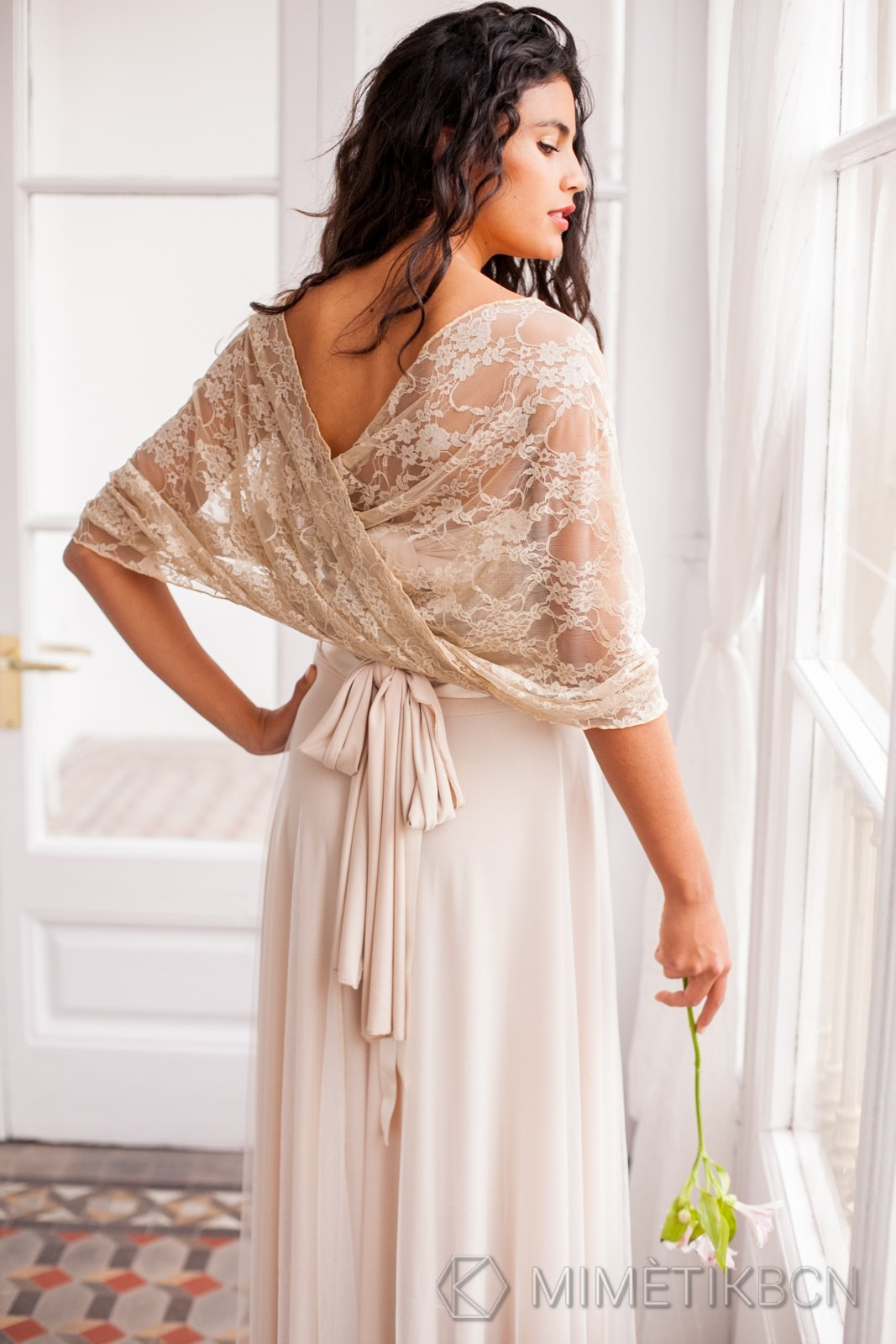 Golden lace shawl for brides in a hurry